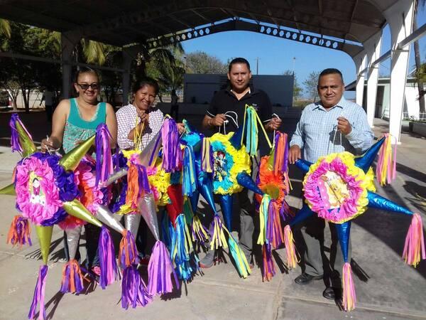 Piñatas donadas para celebración.